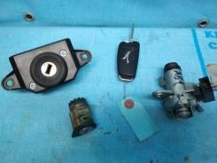 Замок зажигания. Audi: A6 allroad quattro, RS6, S6, Q7, A6 Двигатели: ASB, AUK, BNG, BPP, BSG, BUH, BAT, BBJ, BDW, BDX, BKH, BLB, BMK, BNA, BNK, BPJ...