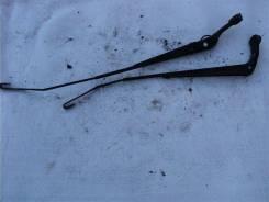 Держатель щетки стеклоочистителя Mazda Demio, передний