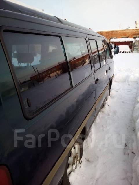 Ssangyong Istana. Продам микроавтобус istana, 3 000 куб. см., 15 мест
