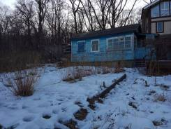 Зем. участок с домом для строительства. Все варианты обсуждаются. 736кв.м., собственность, от частного лица (собственник). Фото участка
