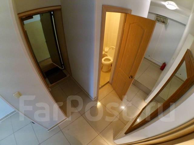 2-комнатная, улица Стрельникова 10. Эгершельд, частное лицо, 37кв.м. Прихожая