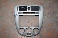 Облицовка торпеды центральная Chevrolet Lacetti