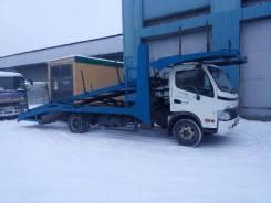 Hino Ranger. Автовоз на три автомобиля HINO Ranger 2011 год, 3 998 куб. см., 6 500 кг.