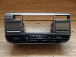 Консоль центральная. Nissan X-Trail, NT30, T30 Двигатели: QR20DE, QR25DE, YD22ETI