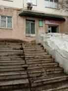 Продажа нежилого помещения. Улица Адмирала Юмашева 18, р-н Баляева, 62 кв.м. Дом снаружи