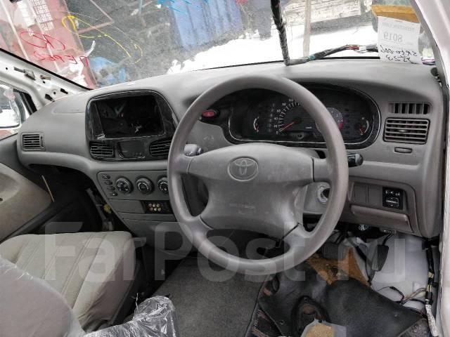 Корпус воздушного фильтра. Toyota Lite Ace, KR42, KR42V, SR40 Toyota Lite Ace Noah, KR42, KR52, SR40, SR40G, SR50, SR50G Toyota Town Ace, KR42, KR42V...