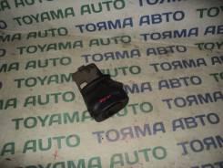 Панель рулевой колонки. Toyota Probox