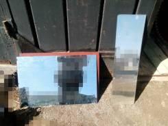 Продам два зеркала среднего размера