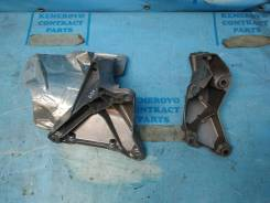 Кронштейн опоры двигателя. Audi A4