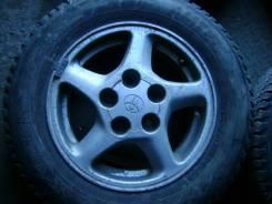 """Колеса от Toyota Ipsum 1998 года с зимней резиной размером 185/70/R14. 6.5x14"""" 5x114.30 ET45"""