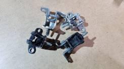 Крепление двери. Honda Legend, KB1, KB2 Двигатели: J35A8, J37A2, J37A3, J35A, J37A