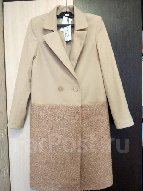 Пальто. 42, 44