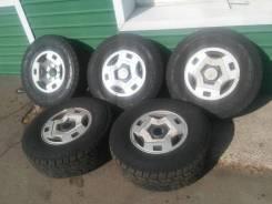 Комплект колес R15 на хорошей грязевой резине!. 7.0x15 6x139.70 ET10 ЦО 107,5мм.