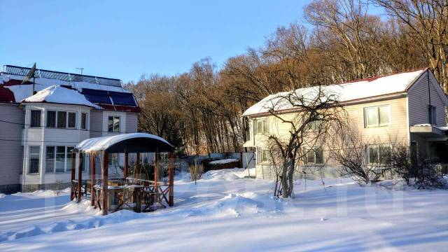 Загородный дом в районе Седанки с участком 20 сот. Улица Маковского 30а, р-н Седанка, площадь дома 170кв.м., водопровод, скважина, электричество 30...
