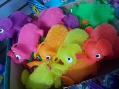 Игрушки резиновые.