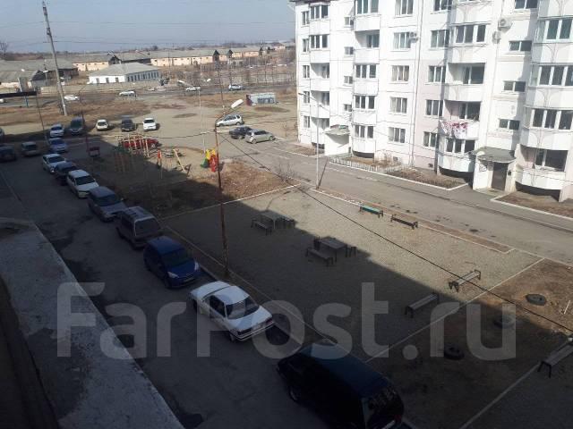 1-комнатная, проезд Новоникольский 6. 3 км, агентство, 34кв.м. Вид из окна днём
