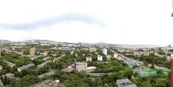 2-комнатная, проспект 100-летия Владивостока 100в. Вторая речка, проверенное агентство, 77кв.м. Вид из окна днём