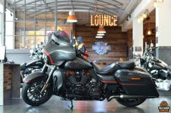 Harley-Davidson CVO Street Glide. 1 923куб. см., исправен, птс, без пробега