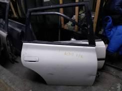 Дверь задняя правая Toyota Opa act 10