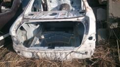 Задняя часть автомобиля. Toyota Crown, GRS200