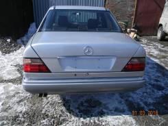 Mercedes-Benz E-Class. WDB1240221C, 111961