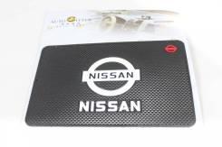 Коврик на панель Nissan