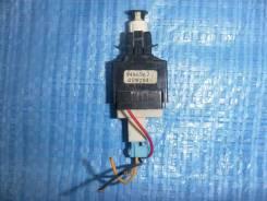 Концевик под педаль тормоза VOLVO S60, V70, XC70/V70XC