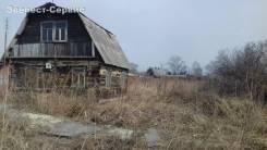 Продается земельный участок с ветхим домом на Геологической, г. Артем. 1 200кв.м., собственность, электричество. Фото участка