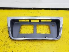 Рамка для крепления номера. Nissan Presage, TU30, U30 Двигатели: KA24DE, QR25DE