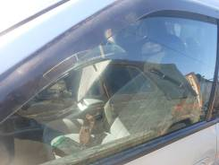 Стекло двери Toyota Camry, левое переднее SV40 68102-32140