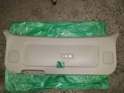 Обшивка двери багажника. Toyota Ipsum, ACM21