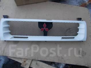 Решетка радиатора. Mitsubishi Lancer Evolution Mitsubishi Pajero, V45W