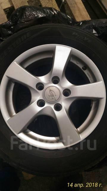 Комплект шины + диски. 6.0x15 5x114.30 ET37 ЦО 73,0мм.