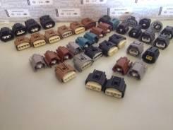 Разъем. Toyota: Pixis Space, Crown, Sienta, Vitz, Mark X, Corolla Axio, Avensis, Porte, Camry, Passo Sette, Passo, Pixis Truck, Spade, Auris, Sai, Pix...