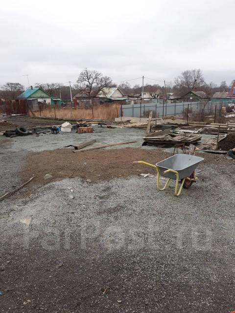 Продается земельный участок рядом с фед. трасс под любой бизнес . 1 400кв.м., собственность, вода, от агентства недвижимости (посредник)