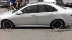 Honda Accord. JHMCL96404C217659
