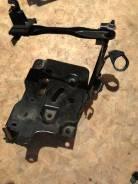 Крепление аккумулятора. Toyota Ractis, NCP120