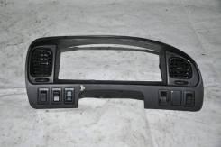 Консоль панели приборов. Mitsubishi Delica, PE8W Двигатель 4M40