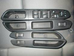 Кнопка стеклоподъемника. Subaru Forester, SG5, SG9, SG9L Двигатели: EJ202, EJ203, EJ205, EJ255