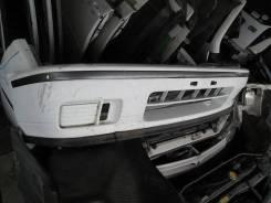 Бампер передний на Nissan Avenir Salut W10