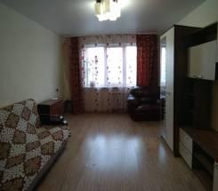 2-комнатная, улица Нейбута 21. 64, 71 микрорайоны, частное лицо, 50кв.м. Вторая фотография комнаты