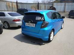 Honda Fit. вариатор, передний, 1.3 (100л.с.), бензин, 190тыс. км