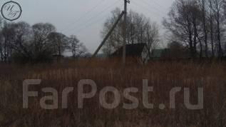 Продам земельный участок в с. Прохладное. 1 500кв.м., собственность, электричество, вода, от агентства недвижимости (посредник). Фото участка