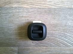 Кнопка стеклоподъемника.