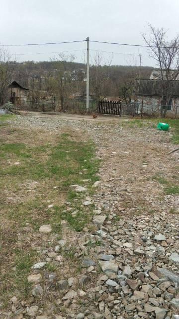 Продается земельный участок с домом. 1 081кв.м., собственность, электричество, вода, от частного лица (собственник)