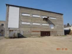 Трехэтажное здание в центре города. 2 100кв.м., улица Будника 117, р-н Приморский край