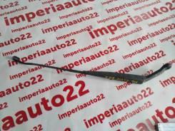 Держатель щетки стеклоочистителя. Honda: Ballade, Orthia, Civic, Integra SJ, Civic Ferio, Domani, Partner Двигатели: B16A6, B18B4, D15Z4, D16Y9, B16A2...