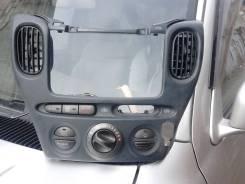 Блок управления климат-контролем. Toyota Funcargo