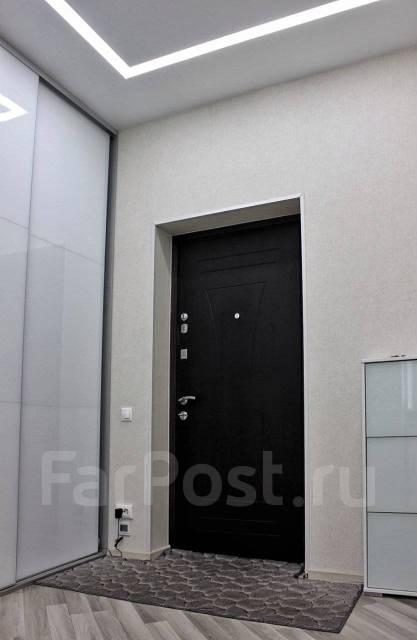 2-комнатная, улица Прапорщика Комарова 58. Центр, агентство, 78кв.м. Прихожая