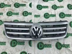 Решетка радиатора. Volkswagen Touareg